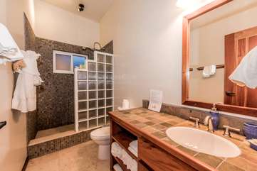 Indigo Belize 1B Bathroom 2