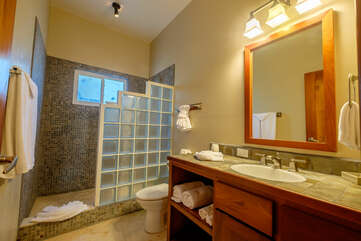 Indigo Belize 4A Guest Bathroom