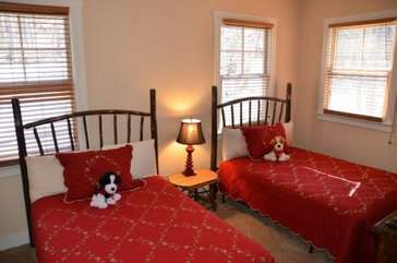 Upstairs bedroom with 2 full beds