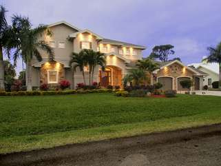 LUXURY 5BEDROOM @AFFORDABLE PRICE~!!!!WITH POOL!,6MIN TO THE BEACH!
