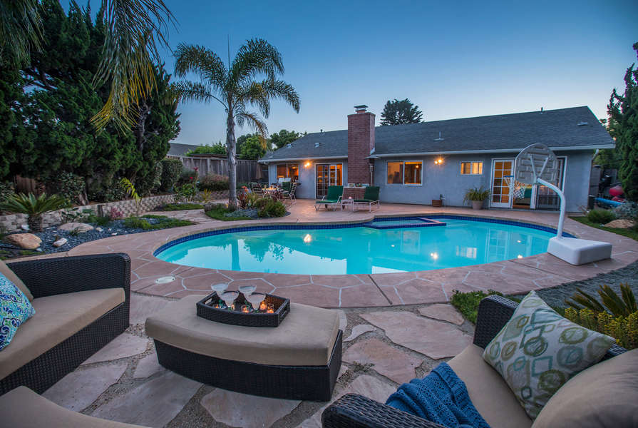 Great location (near UCSB & More Mesa) with a POOL!