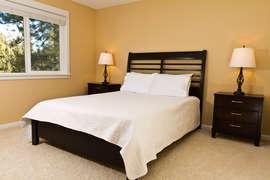 Guest Queen bedroom