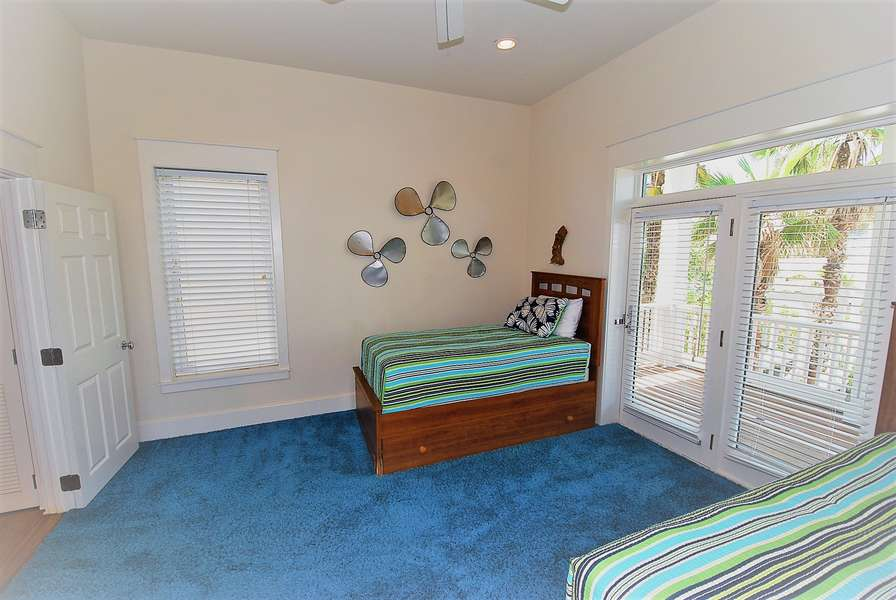 Guest Bedroom on same level as Living Room