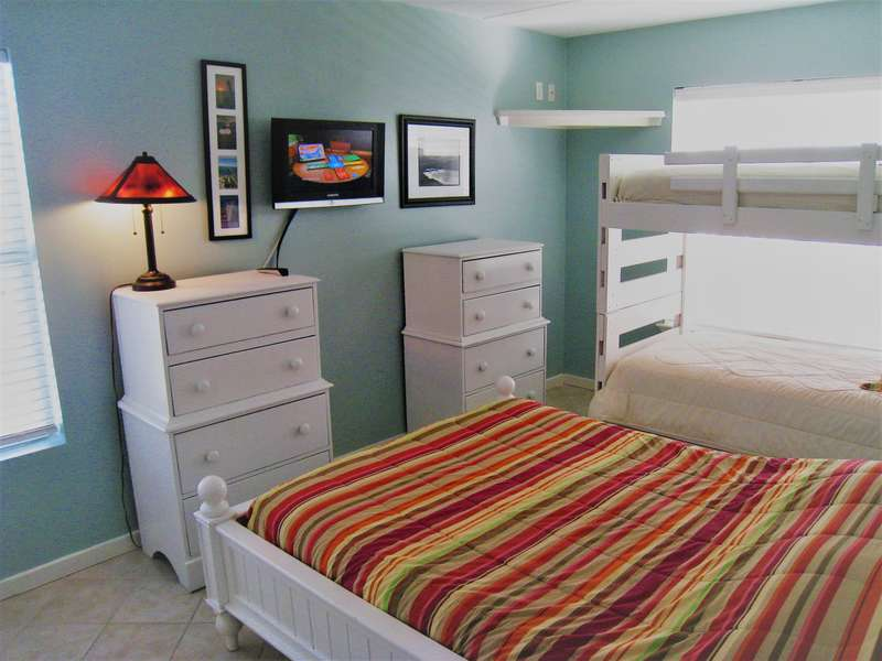 Guest Bedroom;  Full size bed & Twin Bunks; Flat screen TV