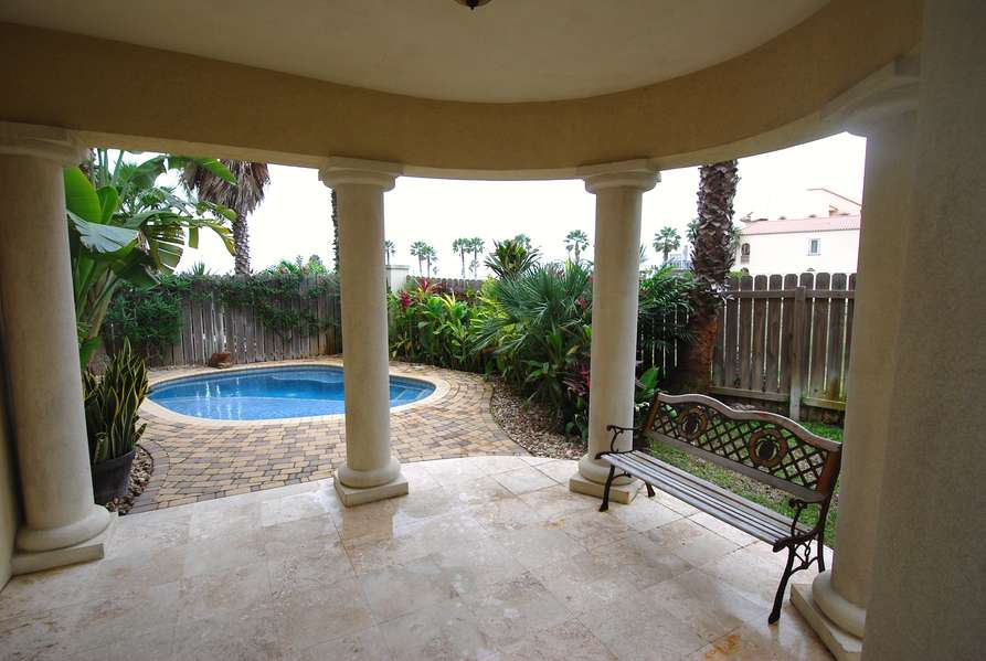 Private Pool/ Covered Patio