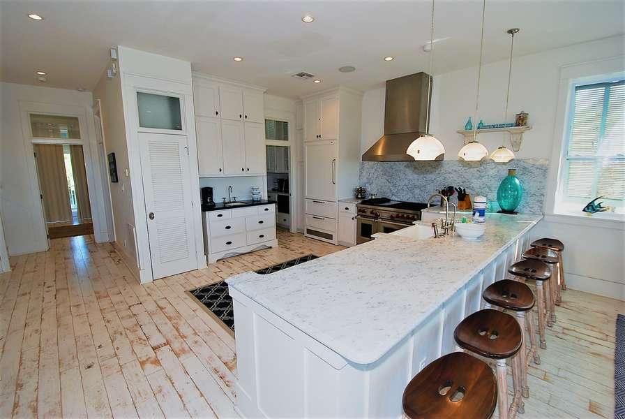 Kitchen & Bar2nd Floor