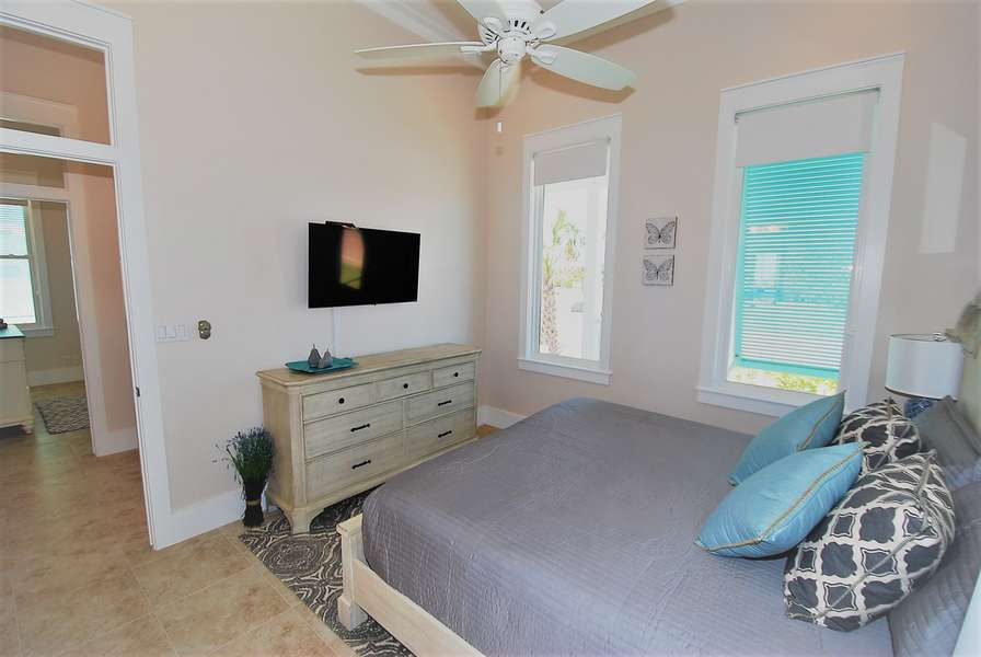 Guest Bedroom, King size bed