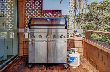 Enjoy Barbecuing on the expansive ocean view deck.