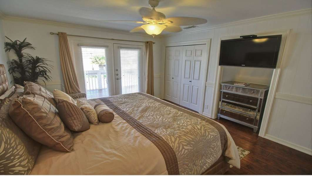 Master Bedroom; King Size Bed- 2nd Floor