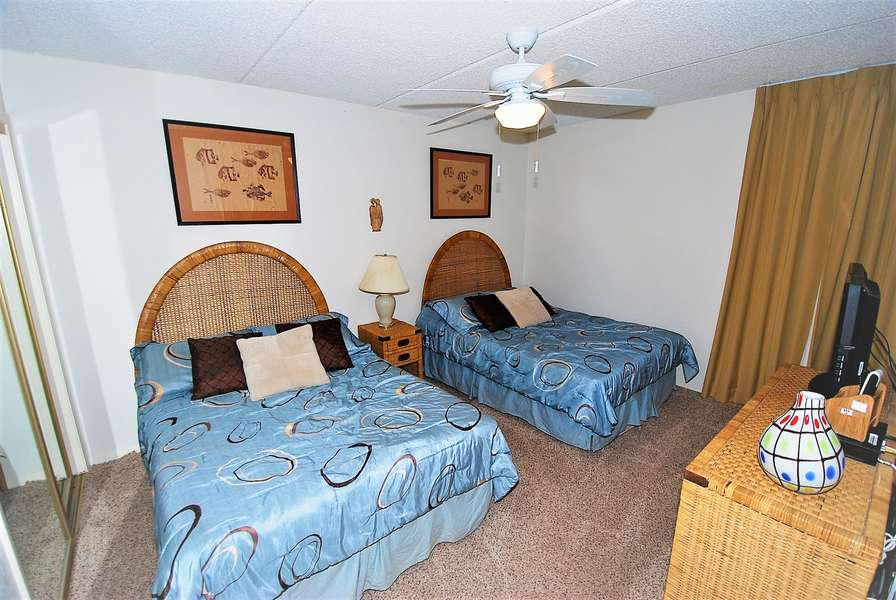 Guest Bedroom; 2 full size beds