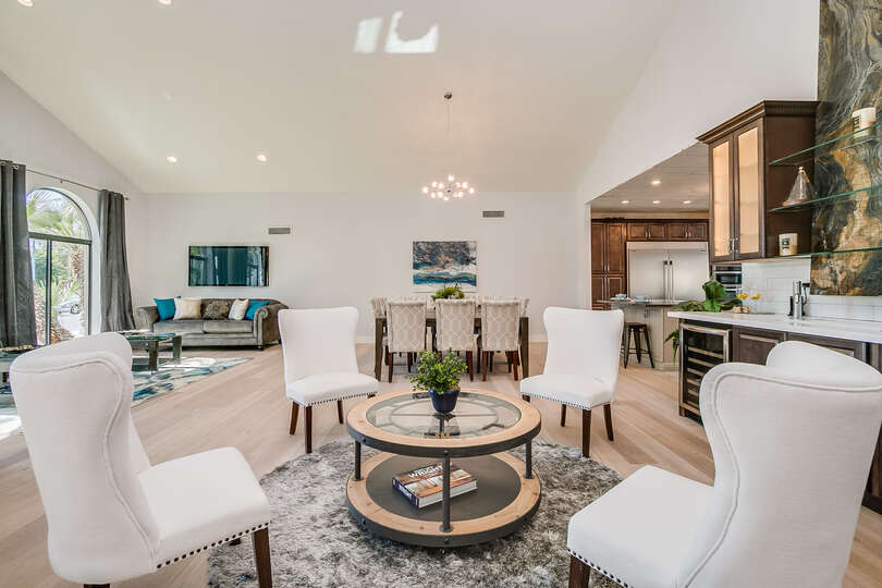 Sitting area with a wet bar