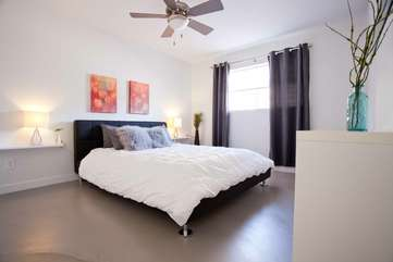 Master bedroom: Queen bed with Comfy Mattress and high-quality linens