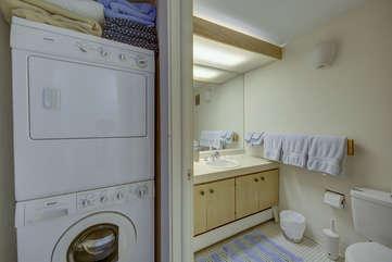 Lower Level- washer dryer