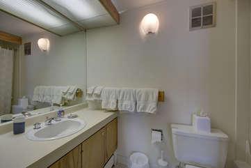 middle level bath