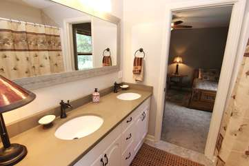 Full bathroom connecting 2 bedrooms-upper level