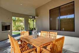 Dinning area in backyard