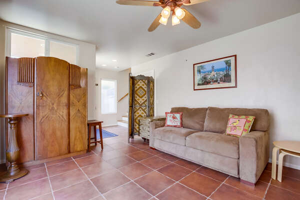 Ground floor living room with sleeper sofa