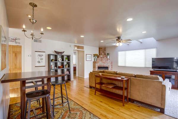 2nd Floor: open concept living room