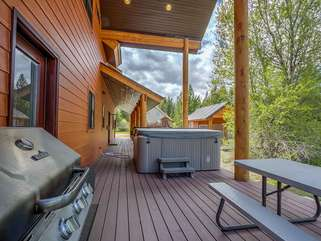 Hot Tub, Picnic Table, and Grill on Back Porch