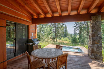 Outside deck and hot tub