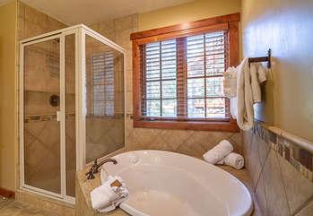 Master Bath/Jetted Tub