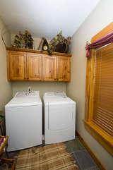 Main floor washer & dryer