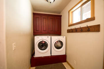 The entry way at Bishop Mtn. has a washer and dryer for your use.