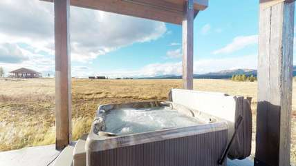 One of the best amenities Blue Creek has to offer, the hot tub.