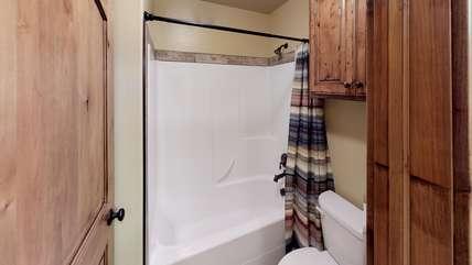 The basement bathroom also has a tub.