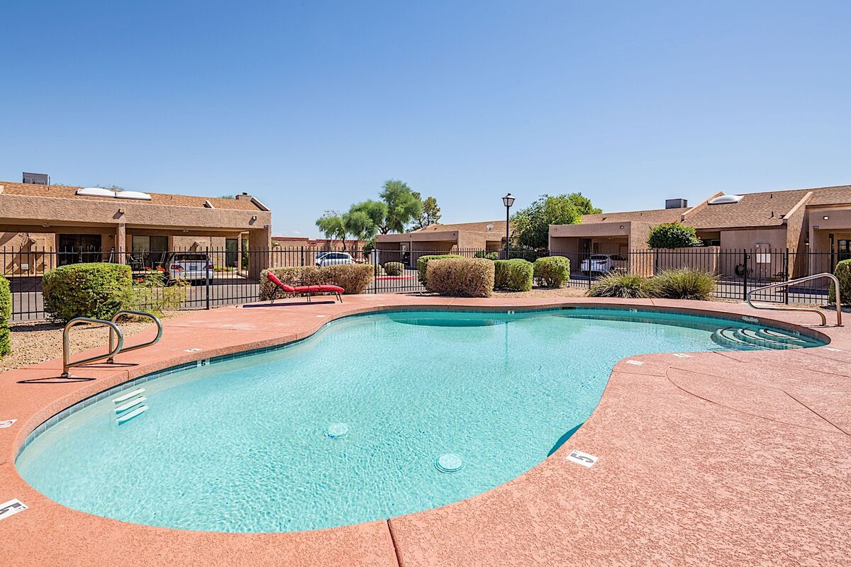 Lay by the pool to make your midwest friends jealous of the tan you brought home from your stay!
