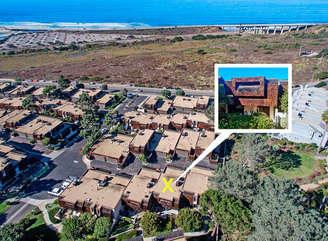 Proximity to the beach! Aerial view...