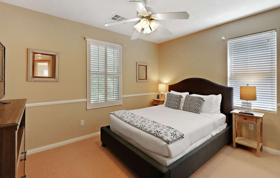 Master en suite bath with walk in shower, large jetted tub and walk in closet
