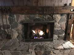 Fireplace with Gas Log & Remote