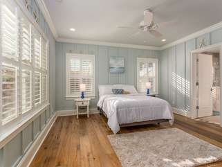 Master Bedroom on main with 42
