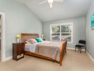 Upstairs 3rd bedroom. Queen size bed. Private bathroom. Spacious closet.