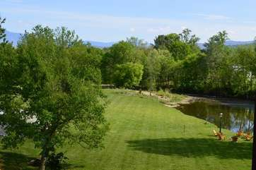 C513-1 Romantic River Retreat