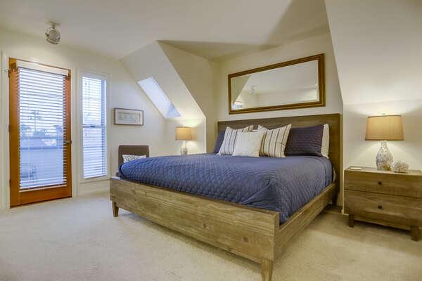 Master Bedroom - Upper Level
