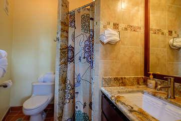 Casa De Bonita upstairs full bathroom