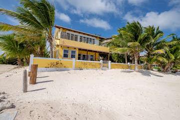 Casa De Bonita beach view