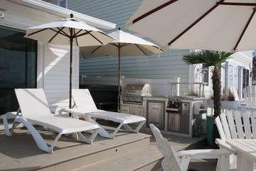 Outdoor Kitchen & Hot Tub, 2 Umbrellas in 2018