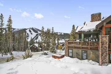 Large private corner lot with amazing views