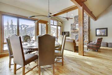 Dining area for 8 with amazing views