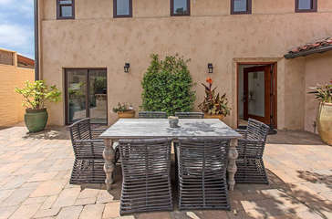 Patio Dining Table (Seat 6)