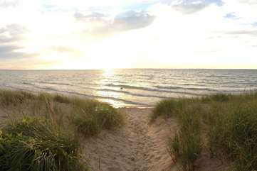 Closest Public Beach Access:  First Street Beach