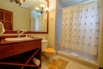 La Beliza 202 large bathroom