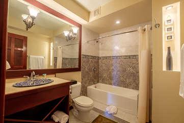 La Beliza 605 Guest Bathroom