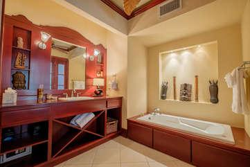 La Beliza 201 Master Bathroom garden tub