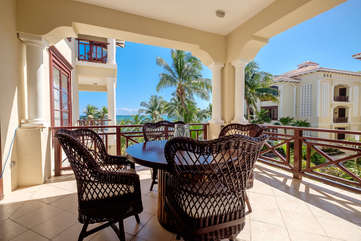 La Beliza 204 Deck to enjoy the sun and ocean view