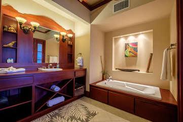 La Beliza 205 Large Master Bathroom Garden Tub