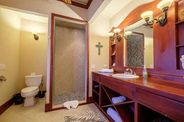 La Beliza 205 Large Master Bathroom